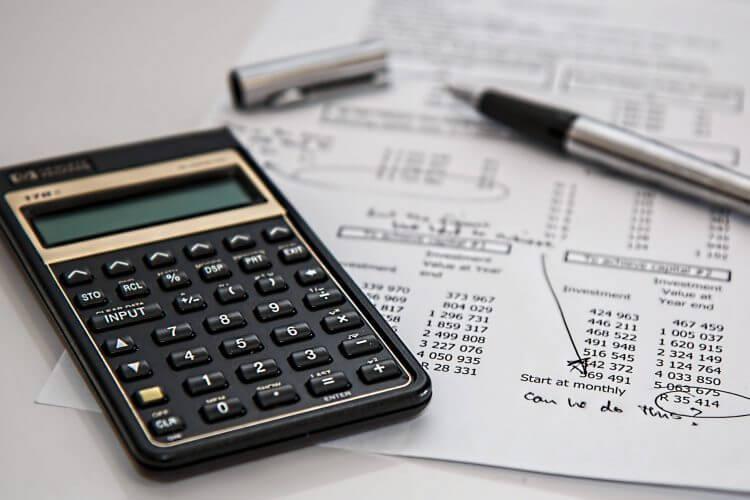 Budget calculator and pen